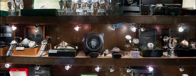 Interview mit Ariel Adams OfBlogtoWatch auf seine persönliche Uhr-Sammlung von Gründer von Crown & Calibre