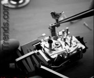 Mechanisches Spielzeug MB & F Kelys & Chirp durch Spieluhr-Hersteller Reuge