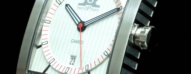 Der Designprozess und die Herausforderungen der Temptation Cameo Rectangular Watch