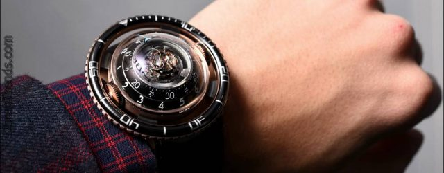 MB & F HM7 Aquapod Uhr Hands-On